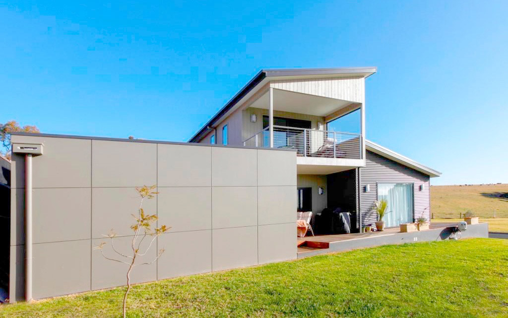 Anglesea-Lake-Tyers-Beach-front-view-garage-Anchor-Homes