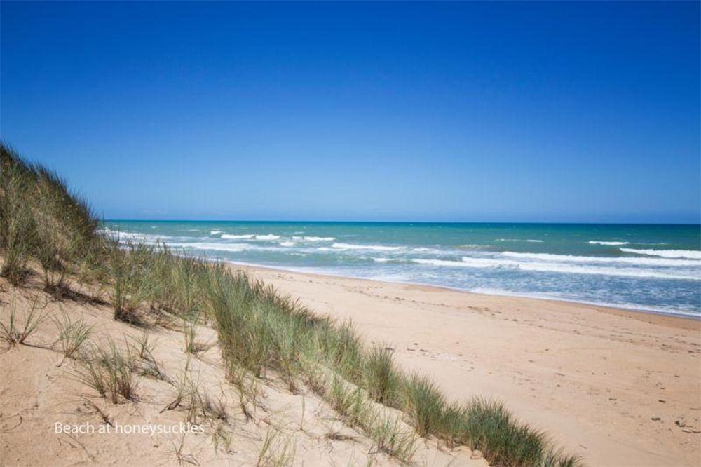Modular-Holiday-Home-Honeysuckles-beach-Anchor-Homes