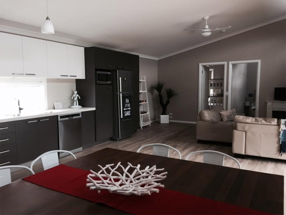 Modular-beach-house-Honeysuckles-dining-kitchen-area-Anchor-Homes