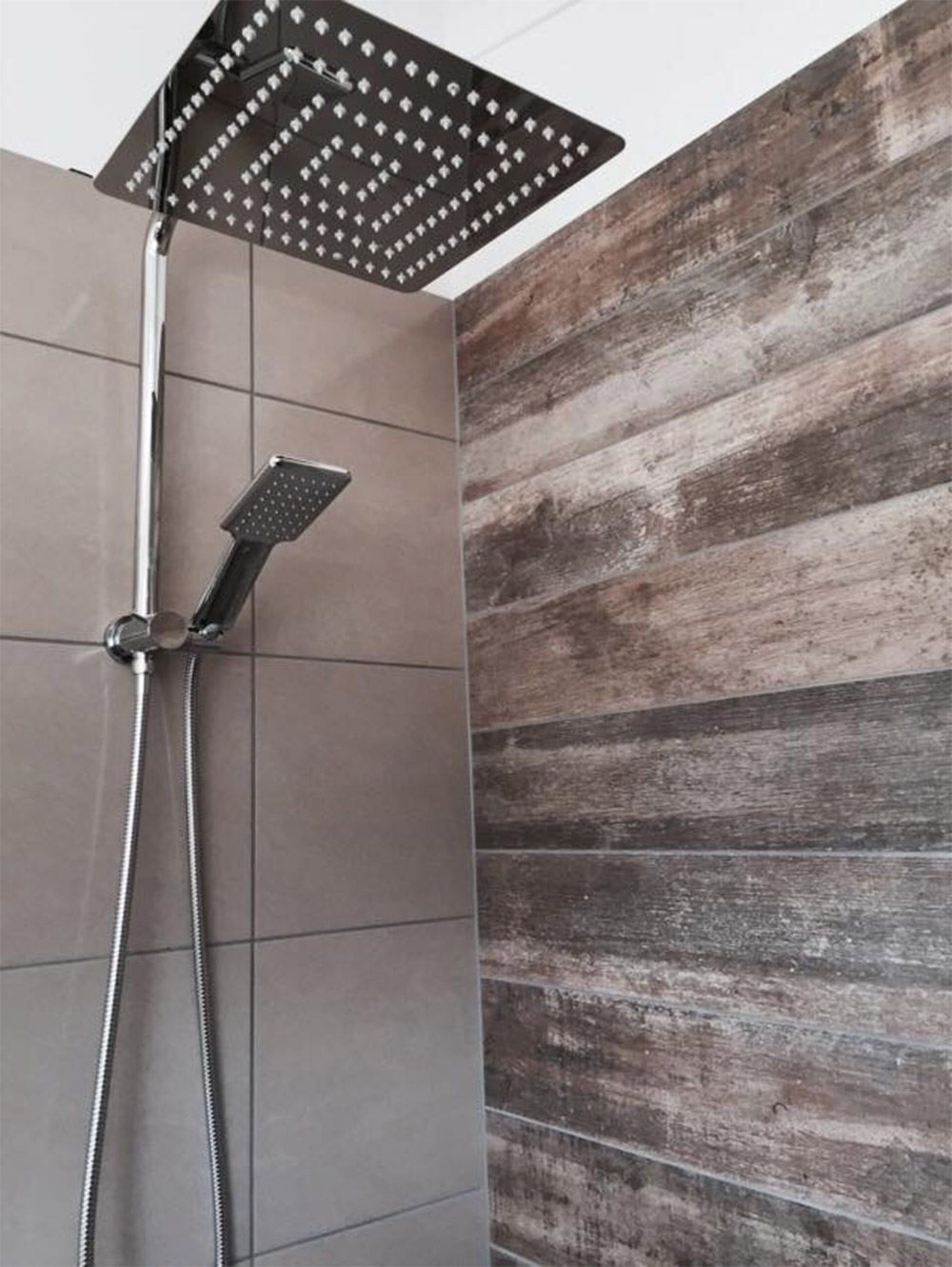 Modular-beach-house-Honeysuckles-shower-Anchor-Homes