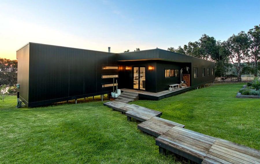 Project-focus-Metung-exterior-backyard