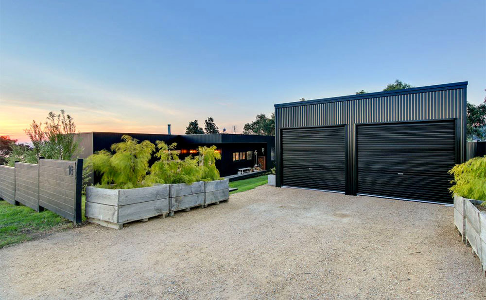 Project-focus-Metung-exterior-garage-Anchor-Homes