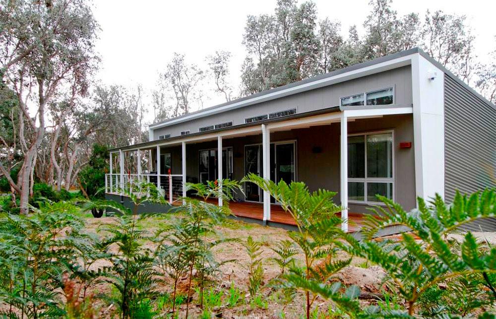 Suburban-Golden-Beach-Front-Anchor-Homes