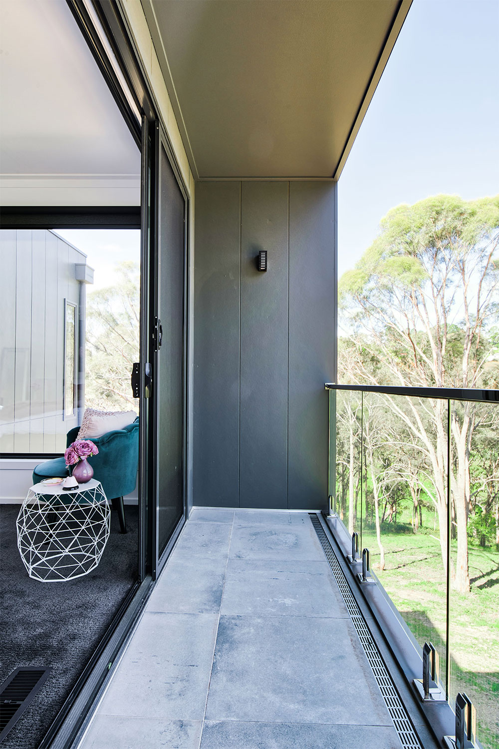 Project-Focus-Daylesford-Barwon-master-bedroom-balcony