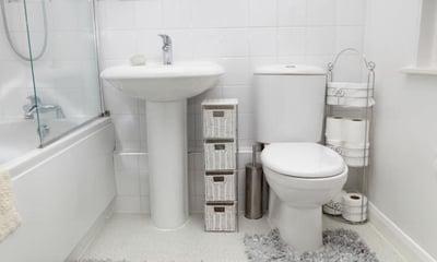 organised_bathroom.jpg