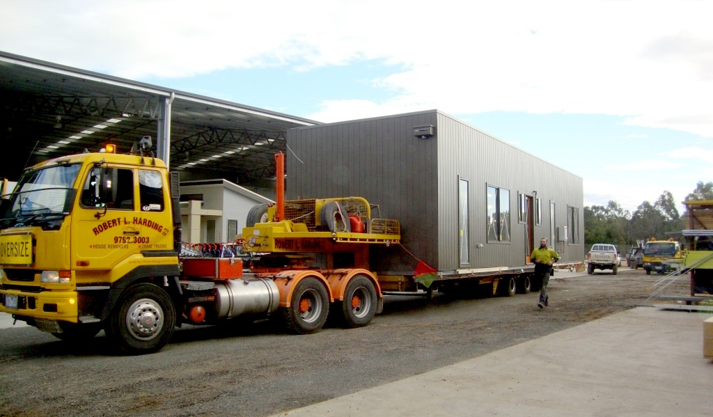 modular home in transport 3.jpg