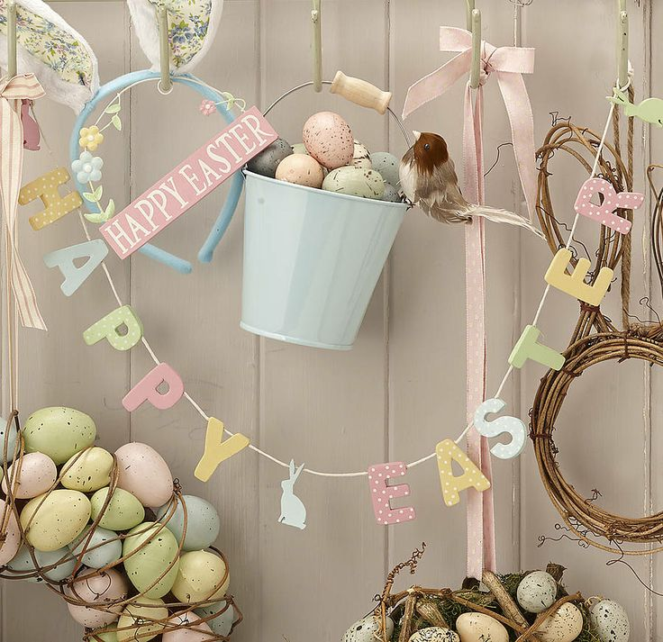 Easter_Opening_Hours.jpg