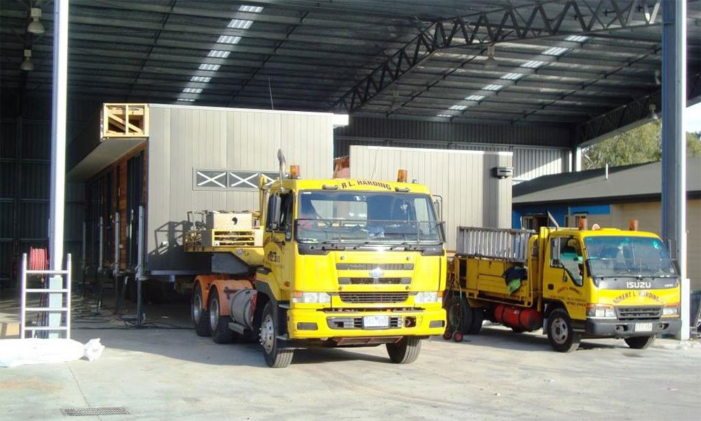 modules-loaded-to-trucks